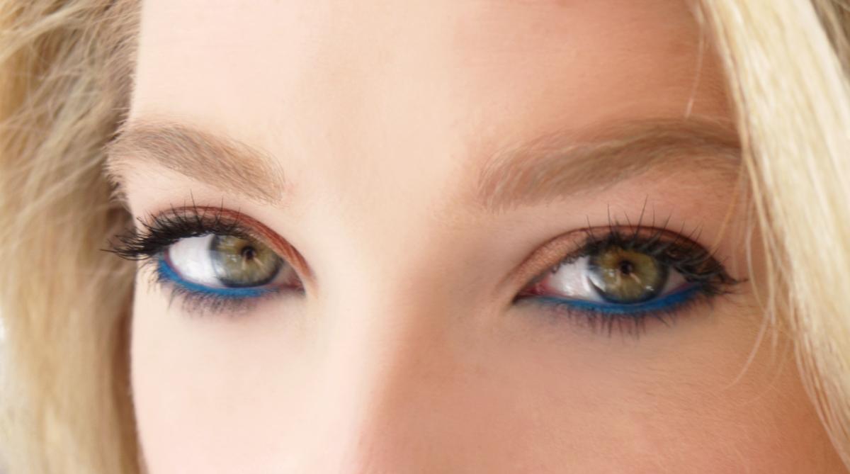 blueeyeliner3
